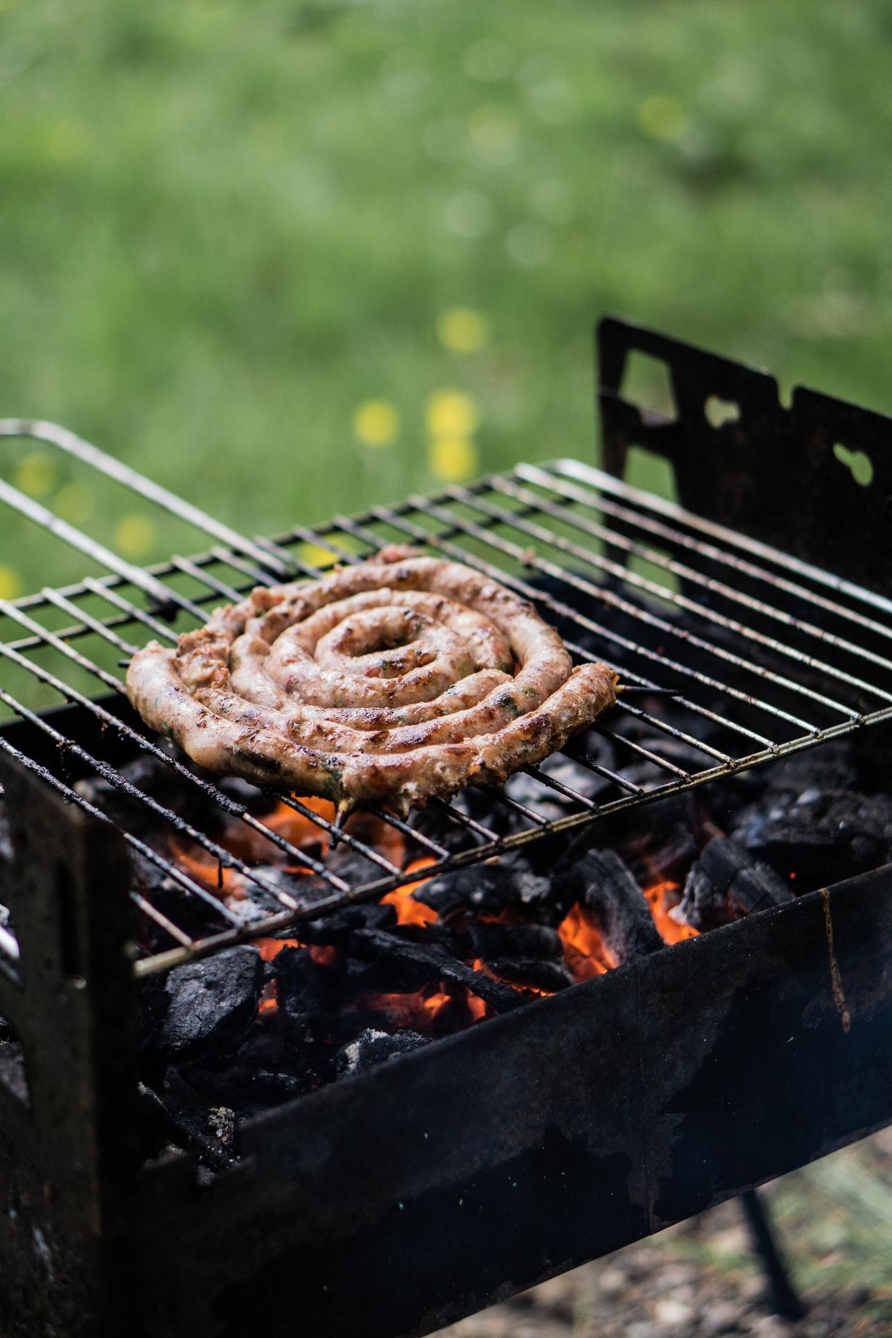 Carnati Prepelita cu Porc Mangalita usor picanti pe gratar
