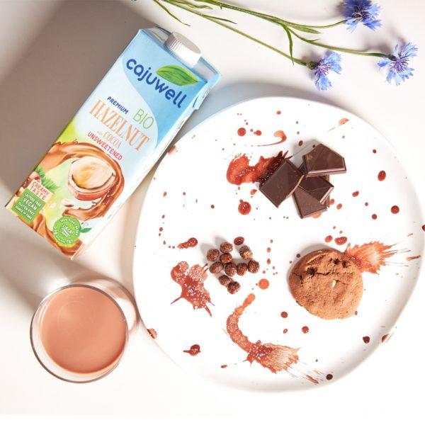 Bautura din Alune de padure si Cacao Bio neindulcita 1L CAJUWELL ciocolata calda cu prajituri