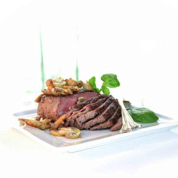 Steak de Strut cu legume 769 x 769 0.293 MB WEB
