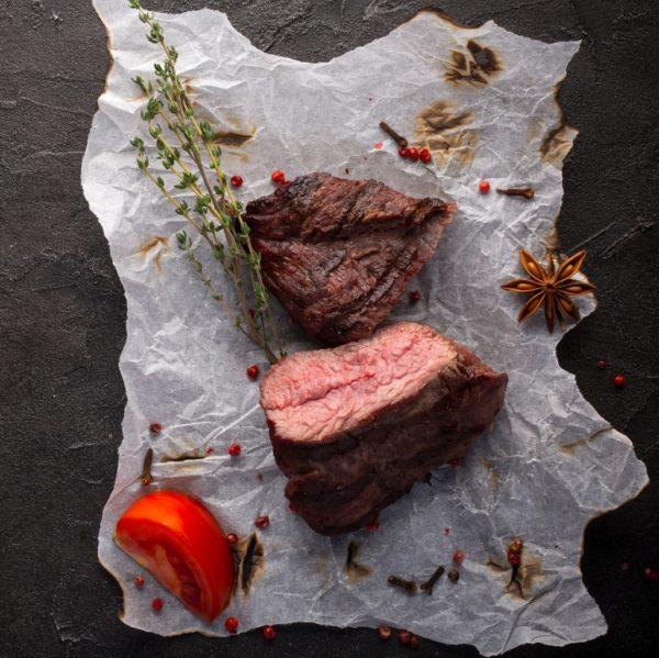 Steak de Strut la gratar cu condimente naturale 769 x 769 0.591 MB WEB
