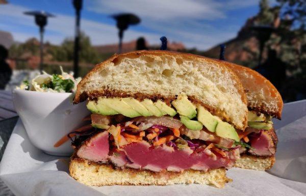 Sandwich cu Steak de Ton si avocador