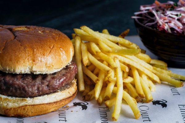 Burger Cangur si cartofi pai