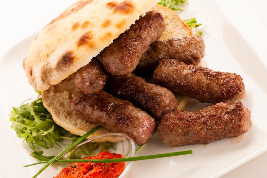 Mici de Prepelita si Pui in paine pita greceasca